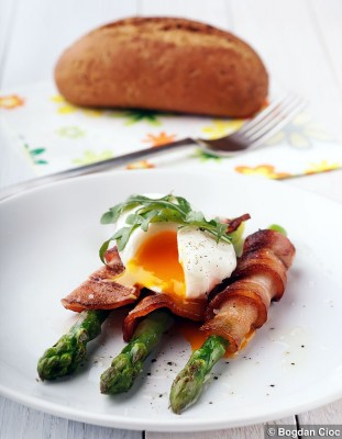oua-bacon-sparanghel