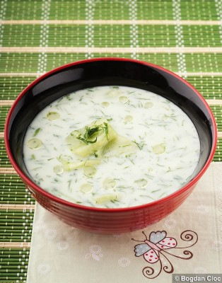 supa-de-iaurt-si-castraveti