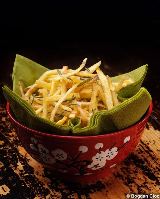 cartofi-prajiti-rozmarin-sare-lamaie1