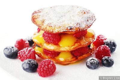 a-mille-feuille-lemon-curd-fructe-de-padure